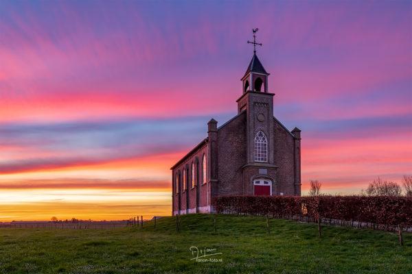Vluchtheuvelkerkje